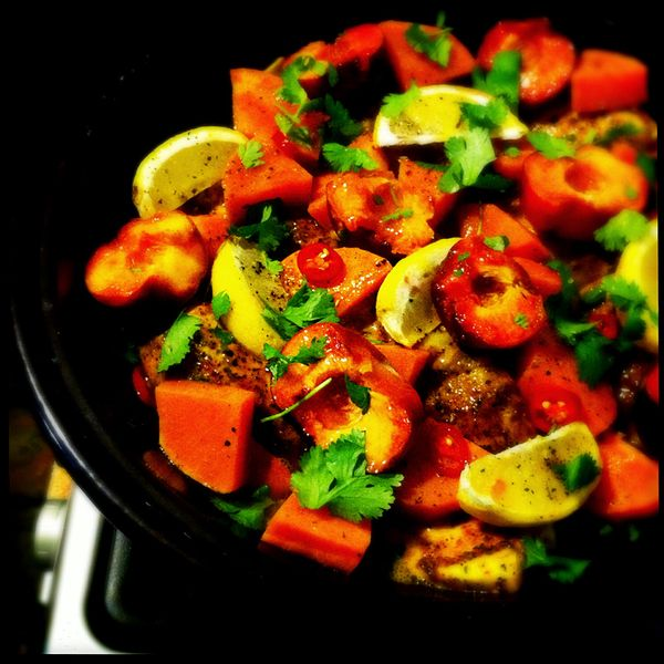 Chicken-and-peach-tagine